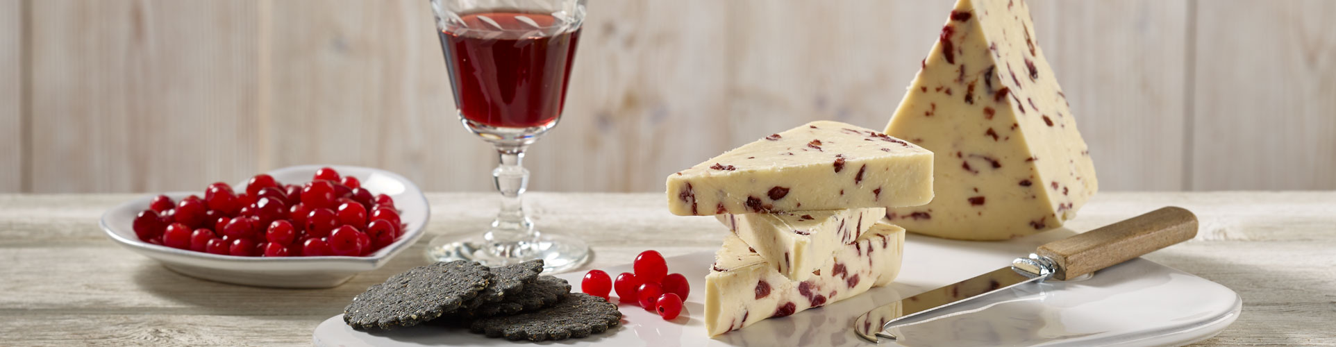 Coombe Castle International Sweet Blends Wensleydale with Cranberries